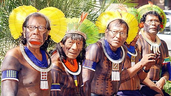 shayef.net > بالصور.. تعرفوا على قبيلة الكايا الغريبة